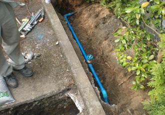 屋外埋設給水配管更新工